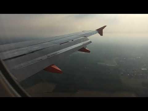 Atterraggio aereo EasyJet all'aeroporto di Milano Malpensa