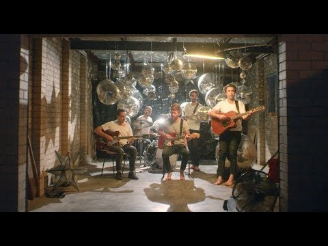 Rolling Blackouts Coastal Fever - Talking Straight [OFFICIAL VIDEO]