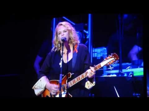 Mary Chapin Carpenter, He Thinks He'll Keep Her (All for the Hall)
