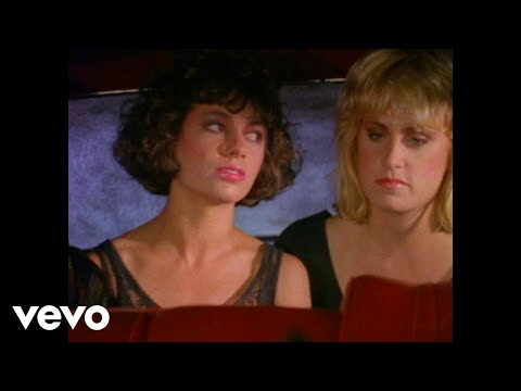 Клип The Bangles - Going Down To Liverpool