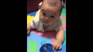 怒る赤ちゃん(笑)