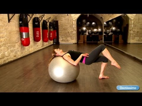 muscler son dos exercices avec swiss ball youtube. Black Bedroom Furniture Sets. Home Design Ideas