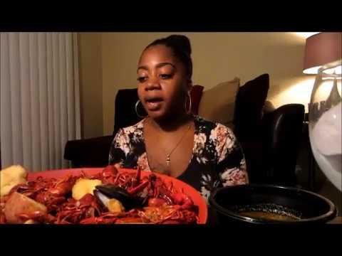 Cajun style Seafood/Crawfish Boil [MUKBANG]