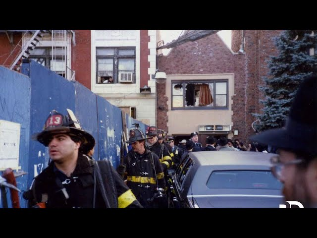Footage Shows the Rebbe Moments After a Sudden Fire at 770