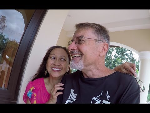 VILLA FELIZ - EPISODE 307: A DAY OF VISITORS (House Building in the Philippines)
