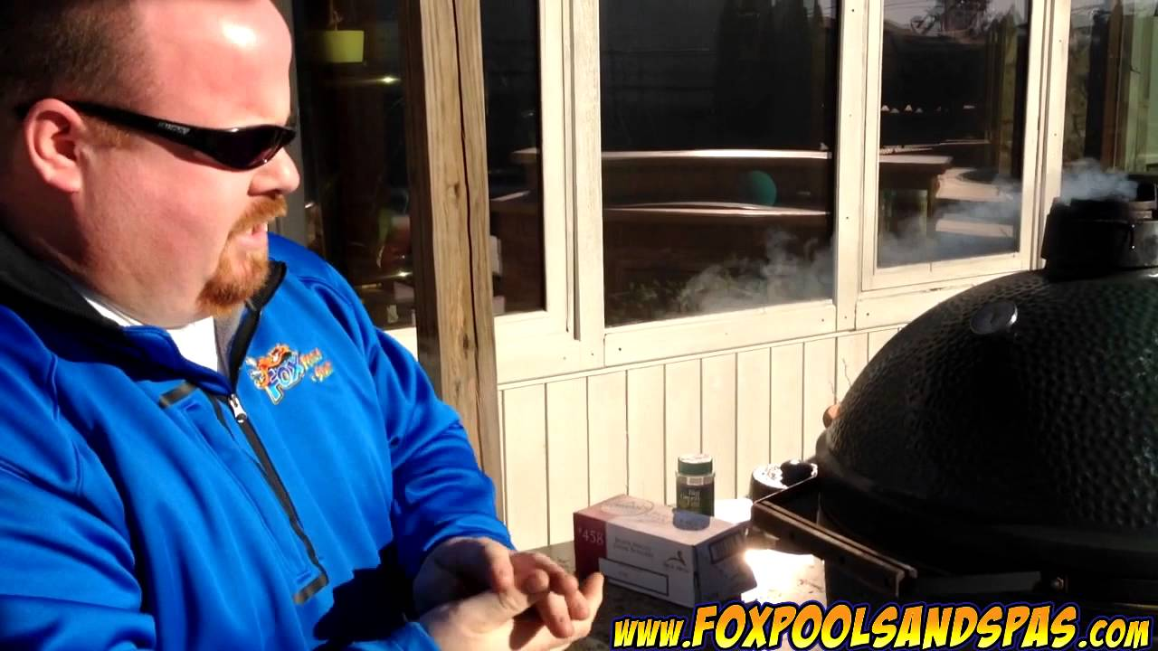 Cooking with Big Dave: Grilling Burgers on The Big Green Egg - YouTube