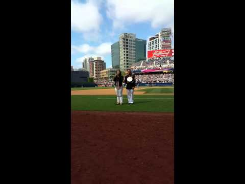 GOD BLESS AMERICA - San Diego Padres - Military Spouse Appreciation Day