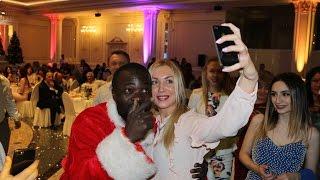 Афроамериканец спел по армянски African American sang Armenianна свадьбе в Красноярске .
