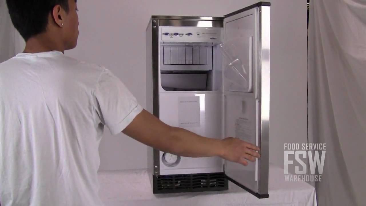manitowoc sm 50a 50a undercounter manitowoc sm50a 53 lb selfcontained cube ice machine youtube