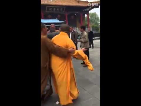 Three Monks Expelled After Seen Fighting in Buddhist Temple in E China
