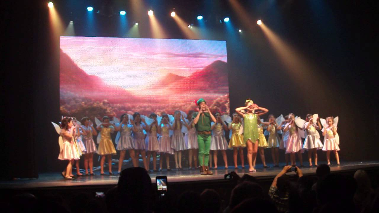 Nisa en el teatro Broadway con la obra Peter Pan (2) - YouTube 74d5118ec96