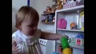 видео Диагностика аутизма с помощью игрушек