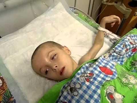 Илья После операции, отходит от анестезии