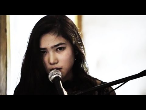 Isyana Sarasvati, I Will Fly (ten2five) cover trio version
