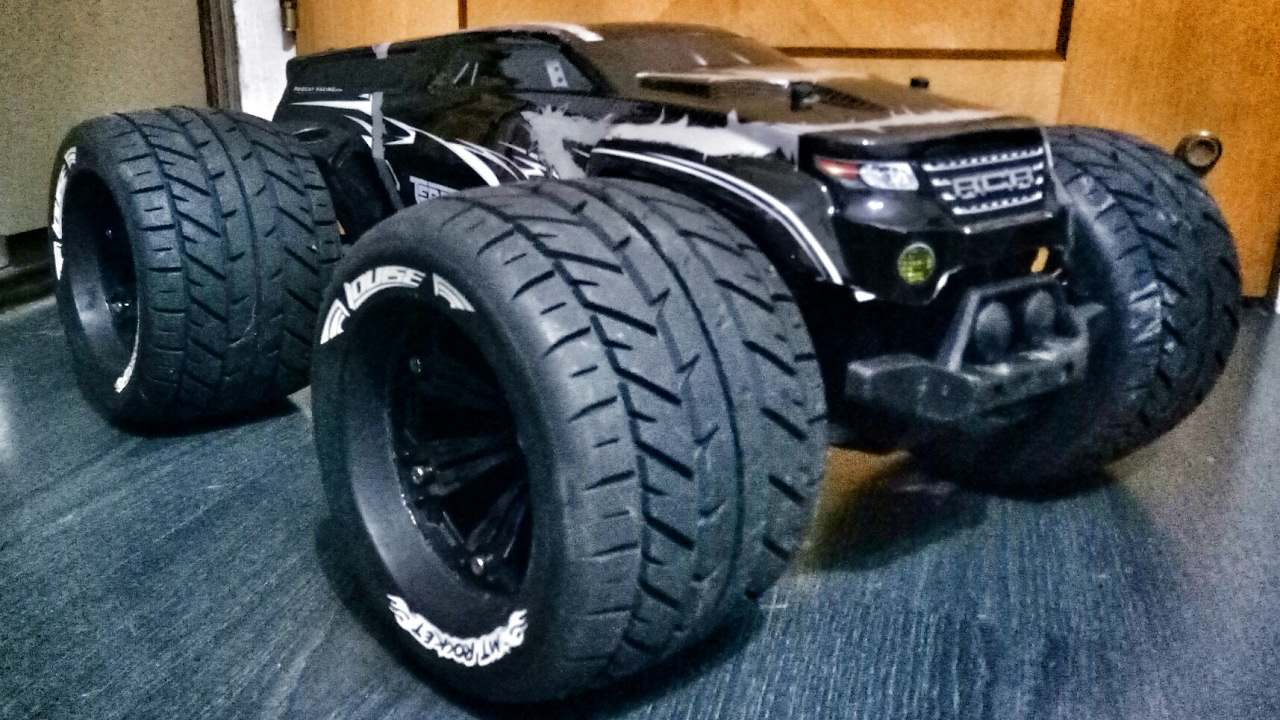 Monster Truck Tires >> Redcat Racing Terremoto 10 on Louise MT Rocket 3.8 tires running 3S lipo, Part 1 - YouTube
