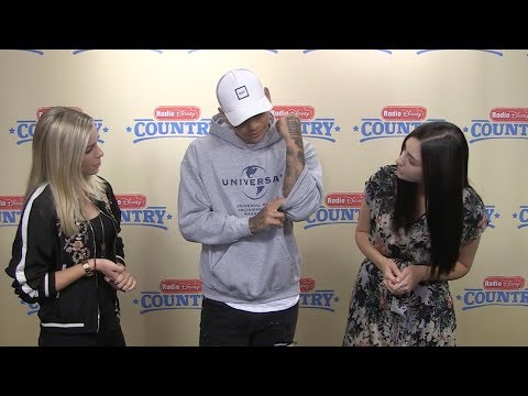 """Kane Brown - """"What Ifs"""" with Savvy and Mandy 