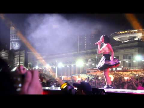 Katy Perry at Singapore F1 - California Girls