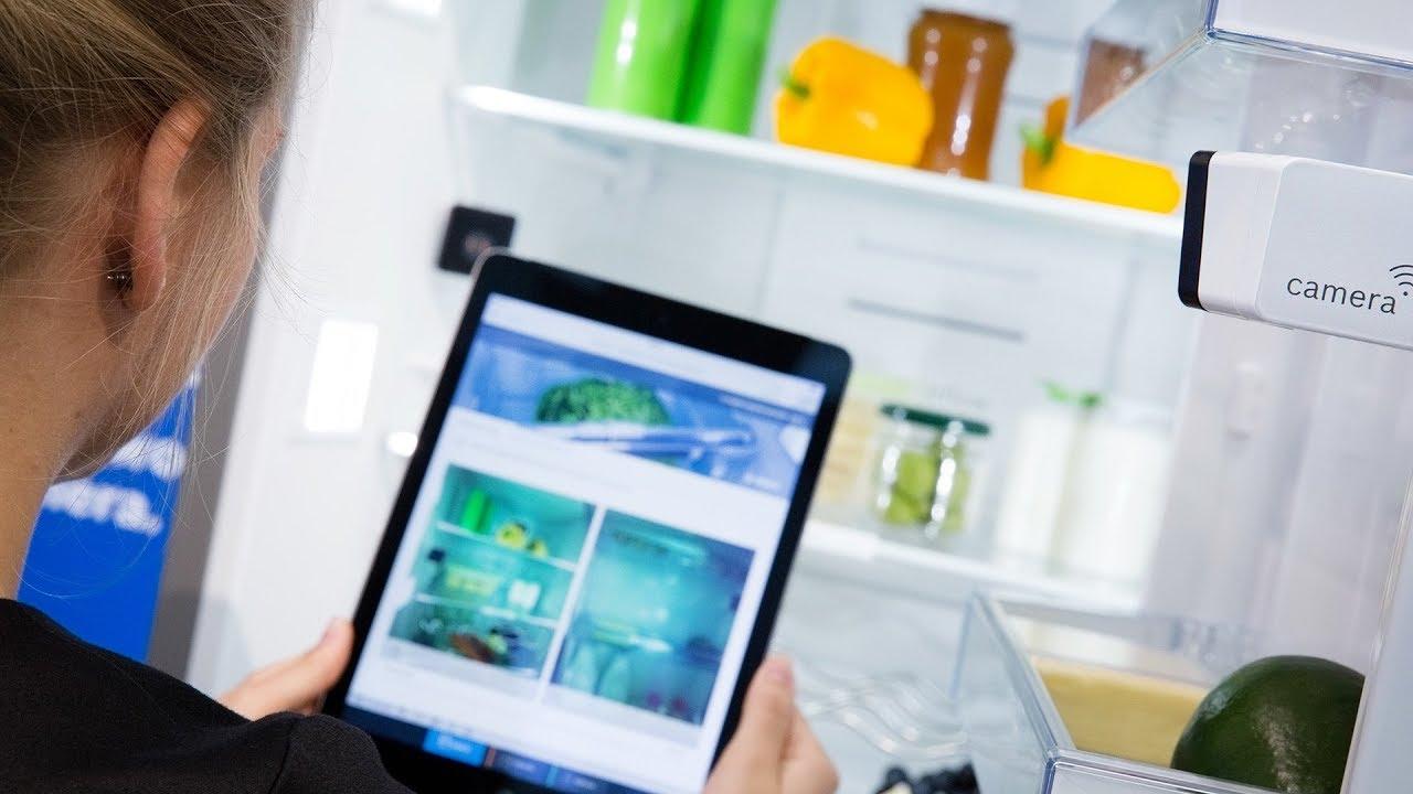 Kleiner Kühlschrank Gebraucht Berlin : Ifa in berlin ein kühlschrank der sich fast von selbst füllt