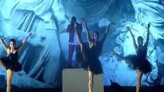Kanye West - Runaway (LIVE) Sydney 2012