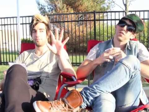 21 RANDOM QUESTIONS WITH ALL TIME LOW