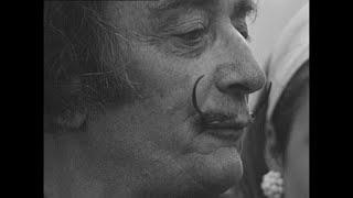 Restos de Dalí são exumados thumbnail