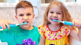 Brush your teeth song with Diana and Roma