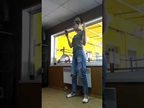 Текст песни ОФИГЕННАЯ - Песня про БРАТА и СЕСТРУ читать