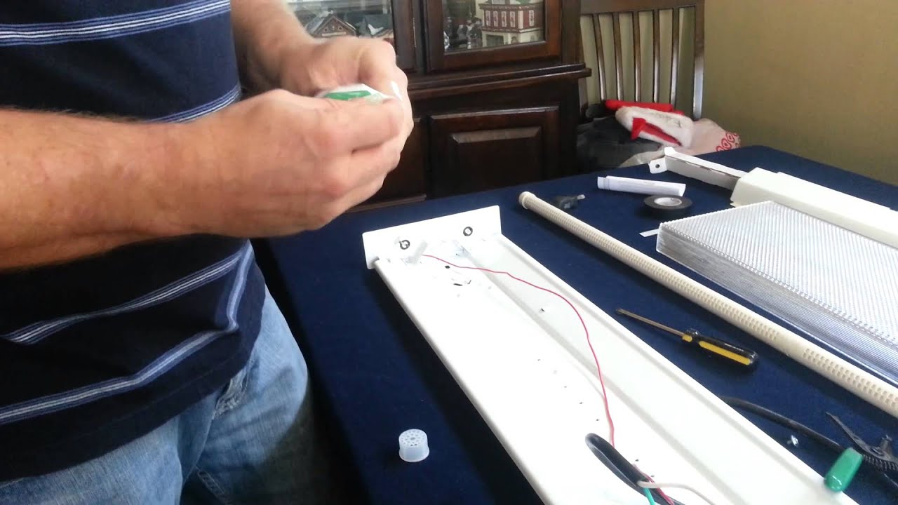 How to wire 4ft led lights & How to wire 4ft led lights - YouTube