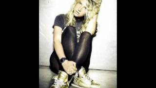 Kesha hungover