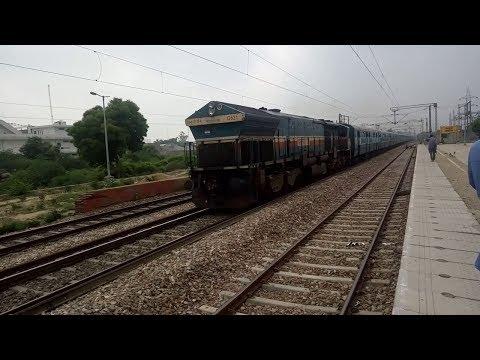 12403 Allahabad - Jaipur Express Skips Runkuta With BGKT WDG 4.