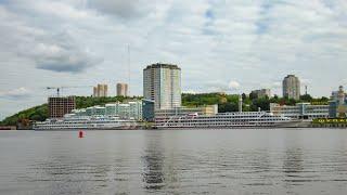 Круизные лайнеры в порту. Чебоксары. 1 июня 2021