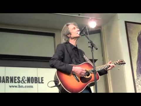 5 Patti Smith and Lenny Kaye at Barnes and Noble, Union Square, NYC, 11-18-10