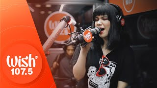 "Bita and The Botflies perform ""Peklat Cream"" LIVE on Wish 107.5 Bus"