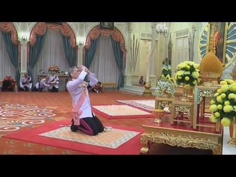Tailandia proclama monarca al príncipe heredero Vajiralongkorn