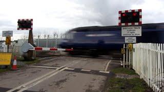 Level crossing, Ufton Nervet, Berkshire