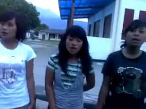 Sawan Trio Latteung na mullop ullop {Sanggar Seni Sibunga Jambu Samosir}   YouTube
