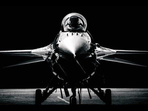 F-16 Fighting Falcon - Living Legend