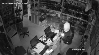 Полное видео ограбления магазина 'Добрый Сусанин' 16 01 2016(Сегодня ночью произошло ограбление магазина нашего партнера, магазина