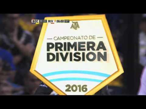 D'Alessandro también probó desde afuera. Boca 0 - River 0. Fecha 12. Primera División 2016.