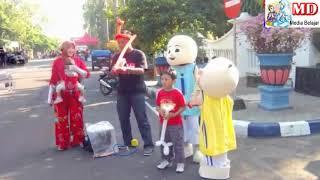 Sedekah Balon Karakter, Bagi-Bagi Balon Gratis Mainan Anak - Selfie Bersama Badut Upin & Ipin Di CFD