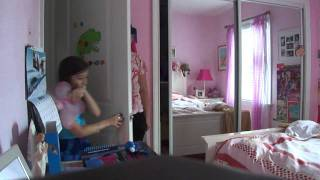 LITTLE GIRL GETS SCARED TO DEATH