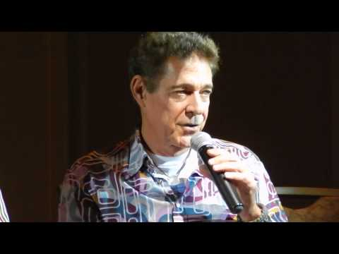 Barry Williams talks about his stoned episode  Brady Bunch Convention  August 16, 2014