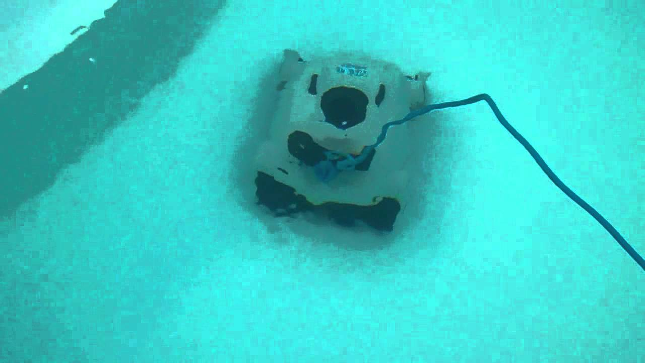 Pool Bodensauger Video Poolroboter Schwimmbadroboter Bodensauger Poolsauger Schwimmbadsauger