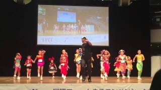 パウル先生と子供達の素晴らしい演技!