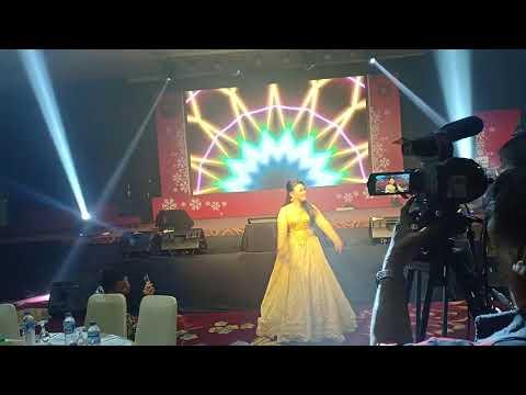 POWER FULL!!! Tia AFI Mebawakan lagu UANG by Nicky Astri