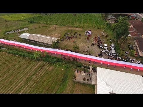 wow,-ada-bendera-sepanjang-100-meter!!!