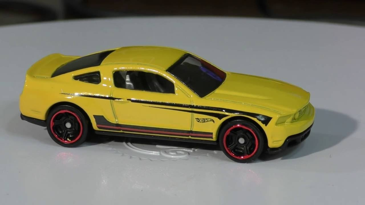 2016 hot wheels n case 2010 ford mustang gt - youtube