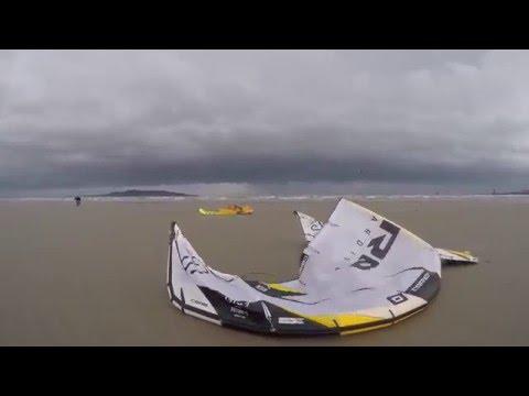 Storm Desmond hitting Dollymount beach