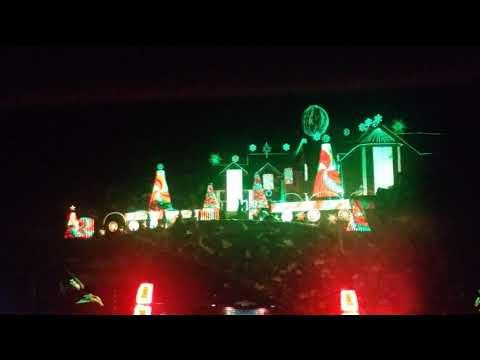 Larsen family Christmas light show in Elburn, IL