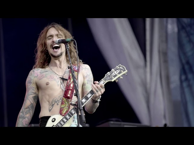 The Darkness - Heart Explodes (Official Video)